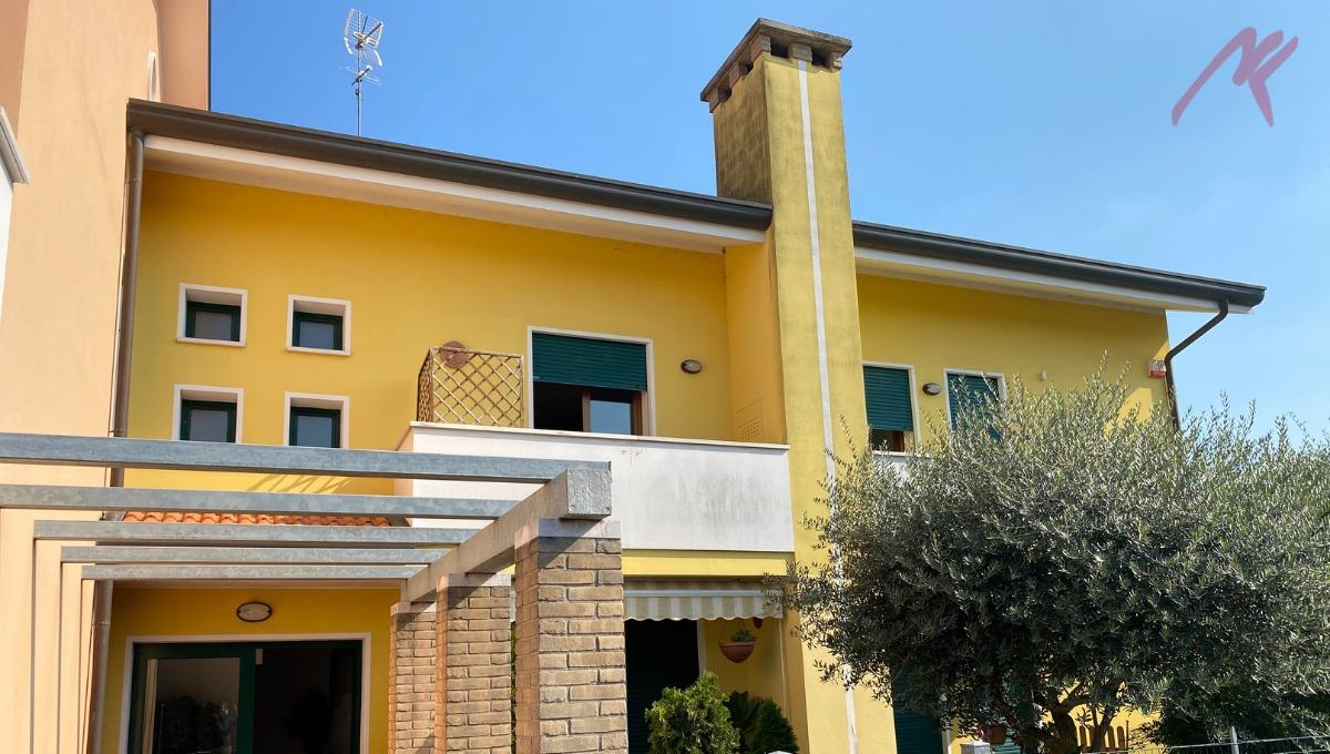 Rif. 1960 – Campolongo Maggiore – Liettoli – Duplex con 3 camere
